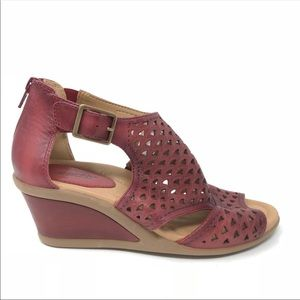 Earth Danae Cut Out Wedge Sandals Red Open Toe